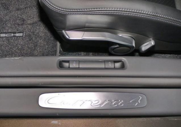 Baguettes de seuil de porte avec inscription du modèle