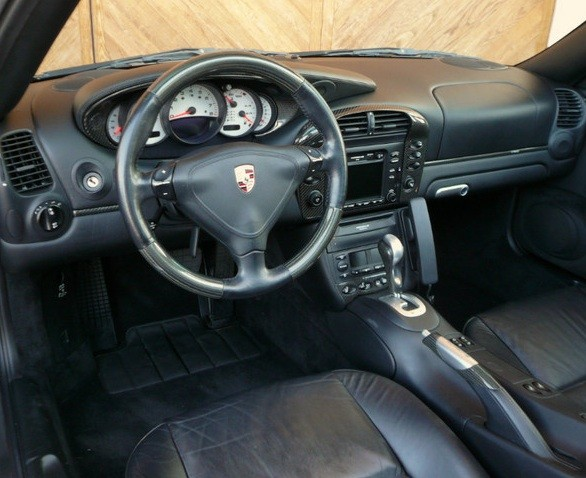 Codes options int rieur carbone 996 c4s stuttgart for Porsche 996 interieur