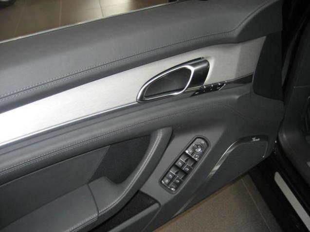 codes options int rieur aluminium panamera turbo s stuttgart automobile magazine. Black Bedroom Furniture Sets. Home Design Ideas