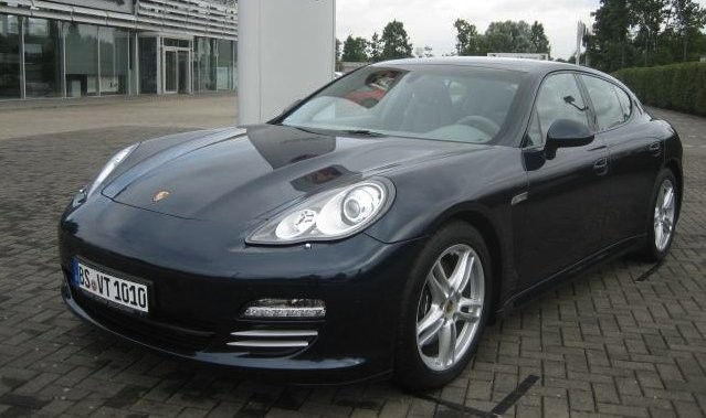 prix neuf des modeles porsche panamera 4 stuttgart automobile magazine. Black Bedroom Furniture Sets. Home Design Ideas