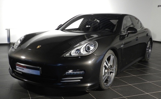 codes options usine panamera 4s stuttgart automobile magazine. Black Bedroom Furniture Sets. Home Design Ideas
