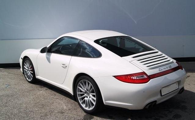 Photo Porsche 997 4S coupé blanc Carrara
