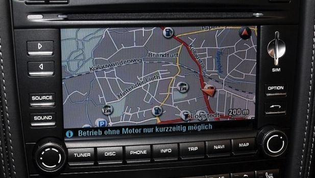 Porsche Communication Management incluant module de navigation.
