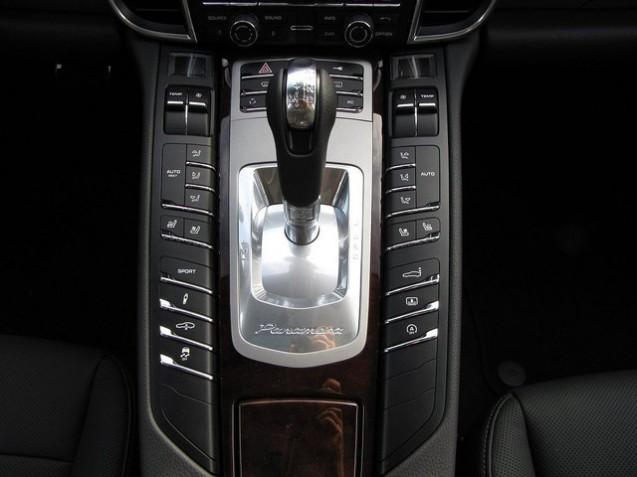 Dr Du Pare Brise >> Equipement de série : Panamera 4S | Stuttgart Automobile ...