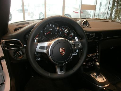 Codes options int rieur cuir 997 gts cab stuttgart for Interieur 997