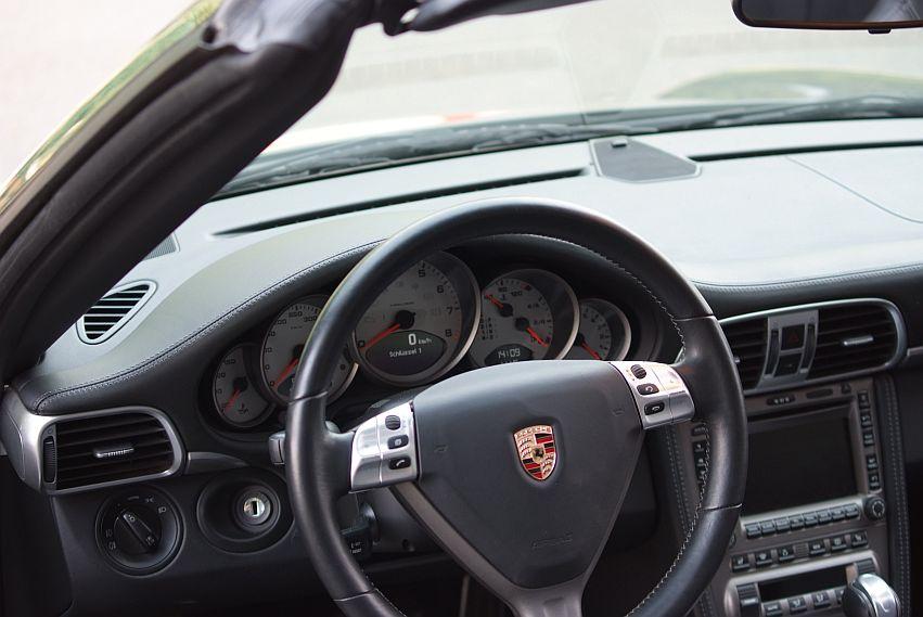 Avis clients vente porsche occasion allemagne 997 4s cabriolet for Interieur porsche
